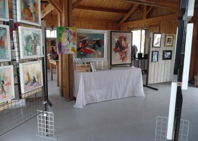 Exposition Château d'Oléron, Jeanne, artiste peintre au style abstrait et coloré. (85) Les Herbiers, Vendée.