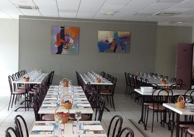 Exposition Relais des 5 Moulins Beaurepaire, Jeanne, artiste peintre au style abstrait et coloré. (85) Les Herbiers, Vendée.