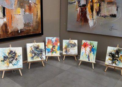 Exposition Beaulieu sous la Roche, Jeanne, artiste peintre au style abstrait et coloré. (85) Les Herbiers, Vendée.