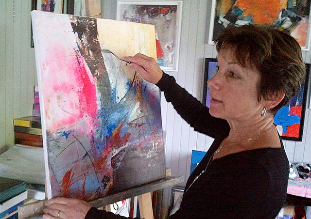 Jeanne, artiste peintre au style abstrait et coloré. (85) Les Herbiers, Vendée.